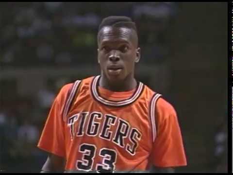 Video thumbnail for 1992 Class A Final - Detroit Pershing v. Benton Harbor
